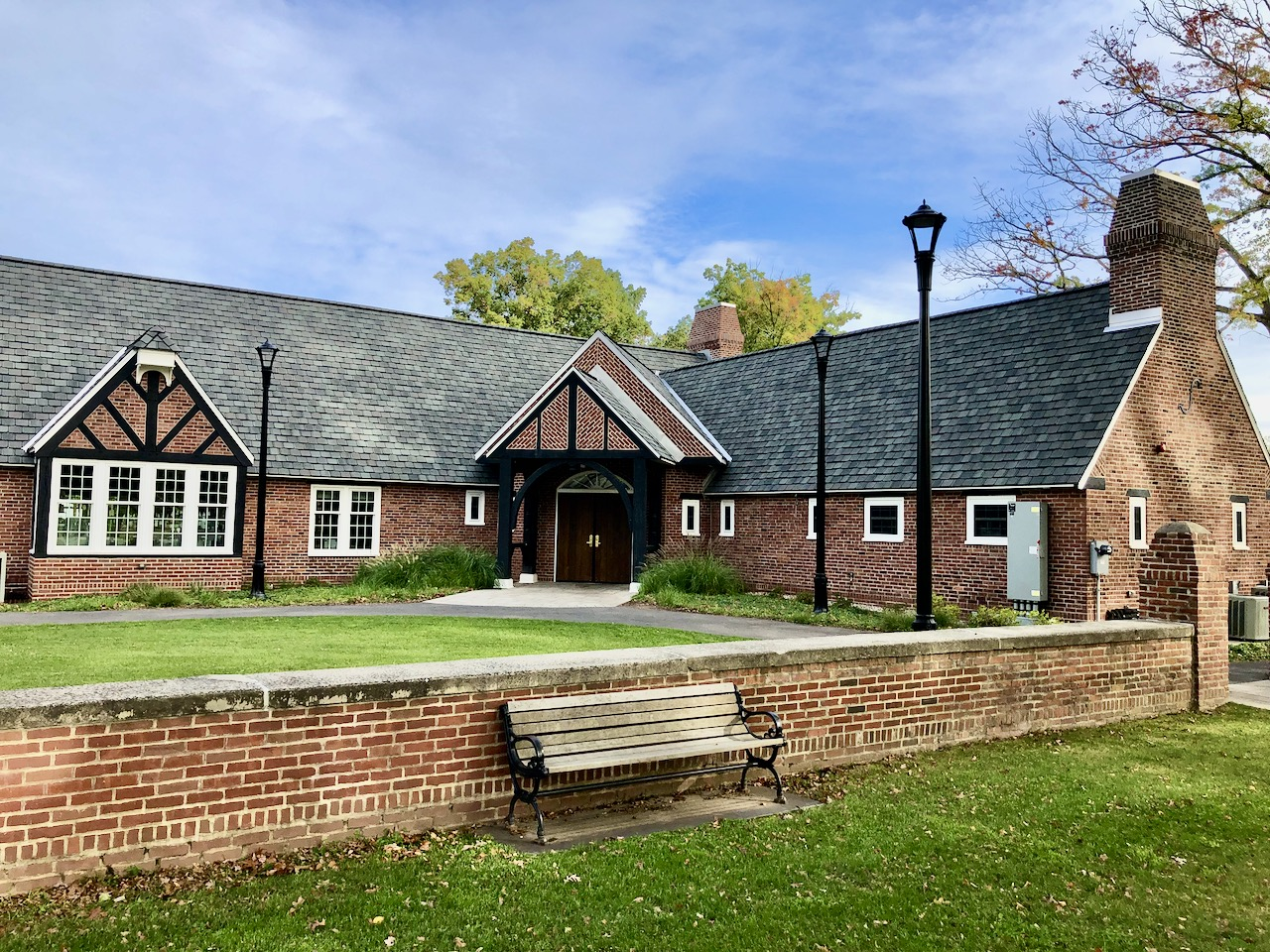 The Keney Park Clubhouse has been restored to its former (1934) glory and is a great place for a post-round meal and drink.
